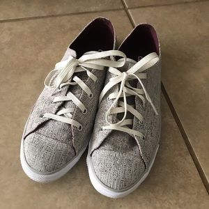 Cream Tweed Converse